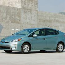 Фотография экоавто Toyota Prius Prime 2012 - фото 13
