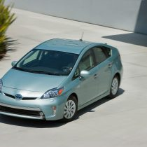 Фотография экоавто Toyota Prius Prime 2012 - фото 18