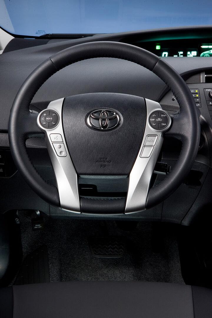 Фотография экоавто Toyota Prius Prime 2012 - фото 23
