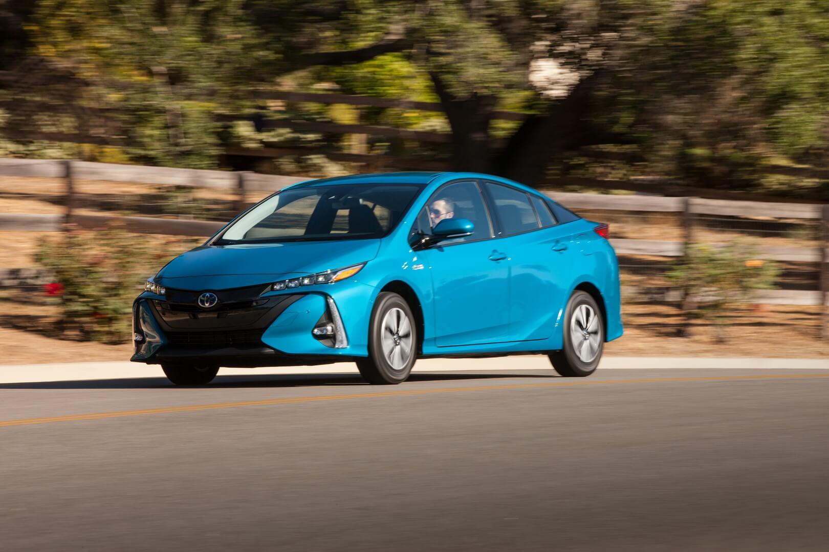 Купить новый автомобиль Тойота (Toyota) 2016-2017 в ...