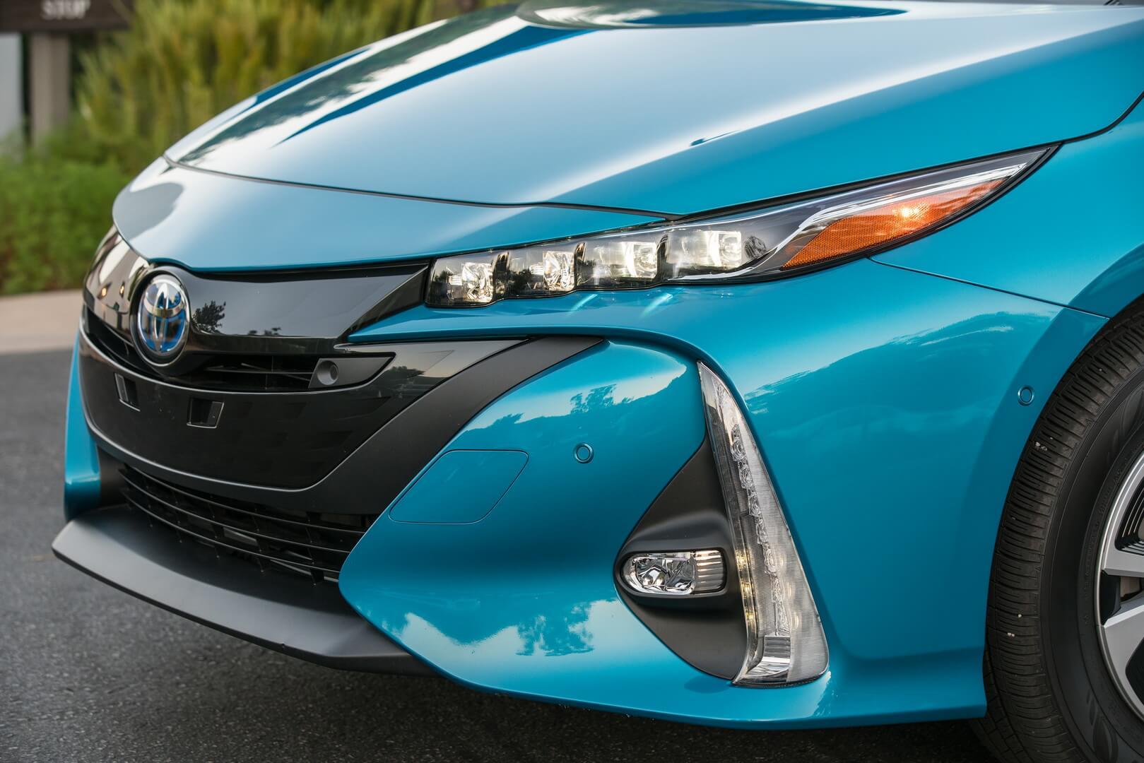 Фотография экоавто Toyota Prius Prime 2017 - фото 17