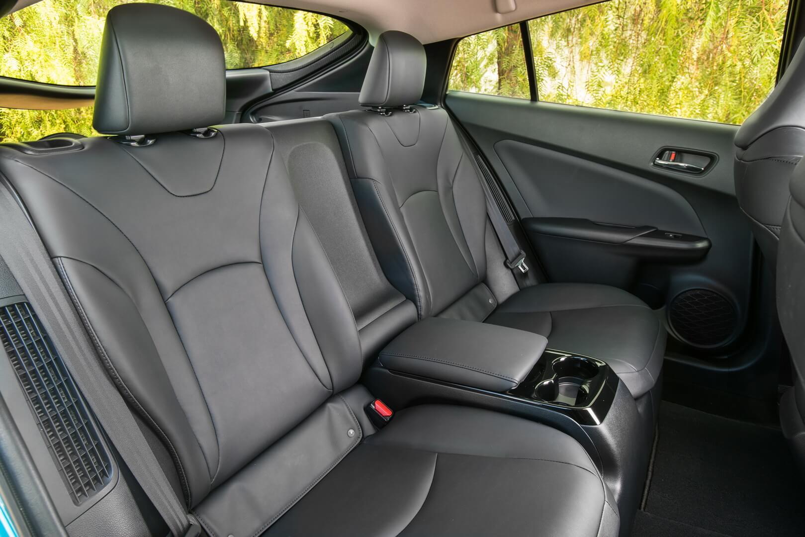 Фотография экоавто Toyota Prius Prime 2017 - фото 28