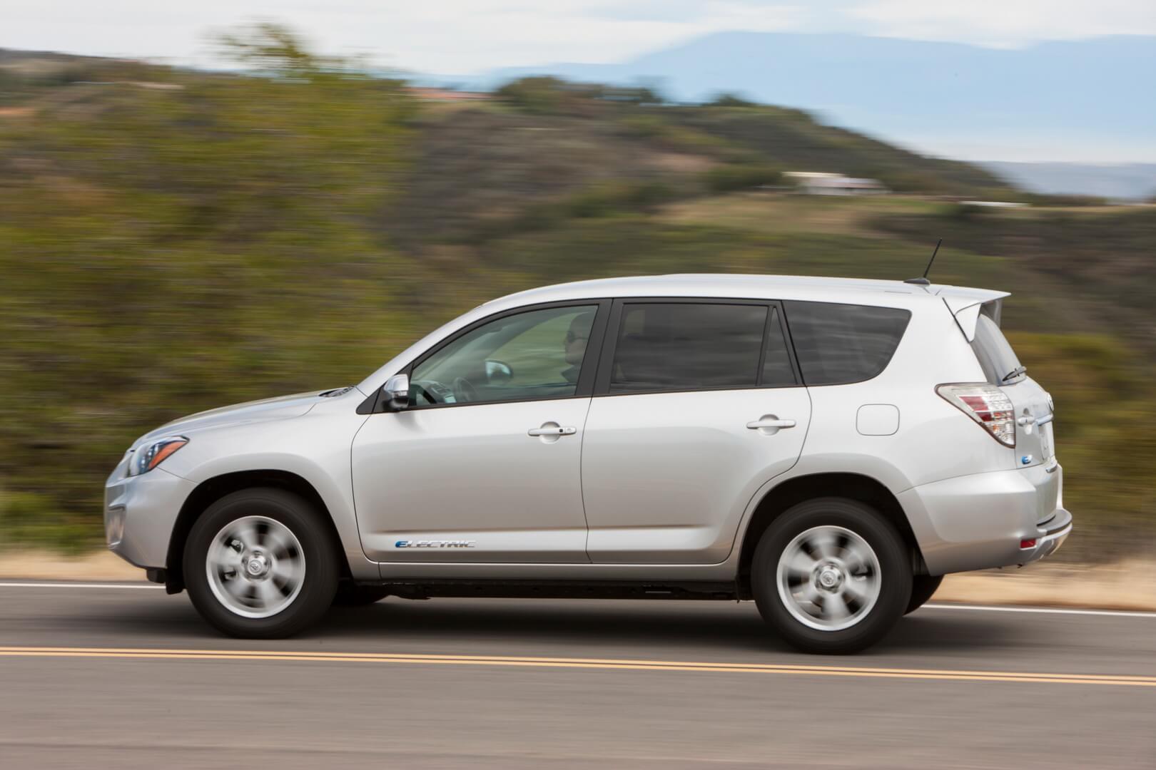 Фотография экоавто Toyota RAV4 EV - фото 20