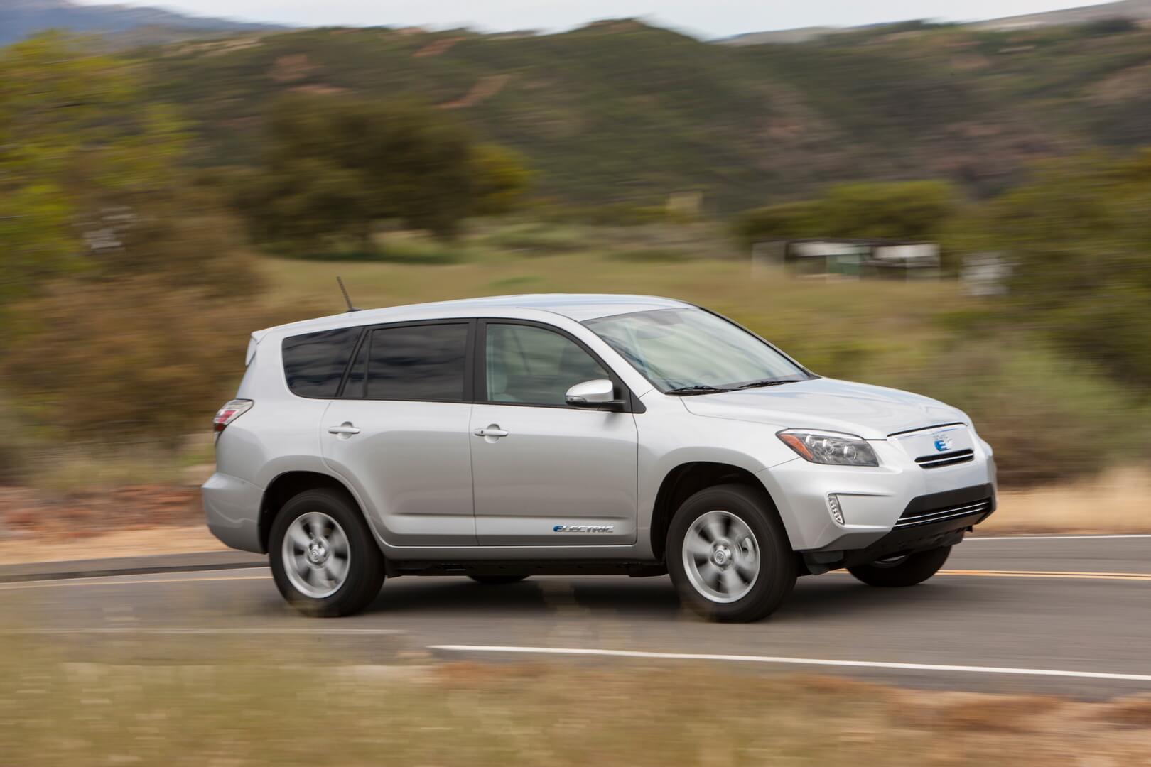 Фотография экоавто Toyota RAV4 EV - фото 21