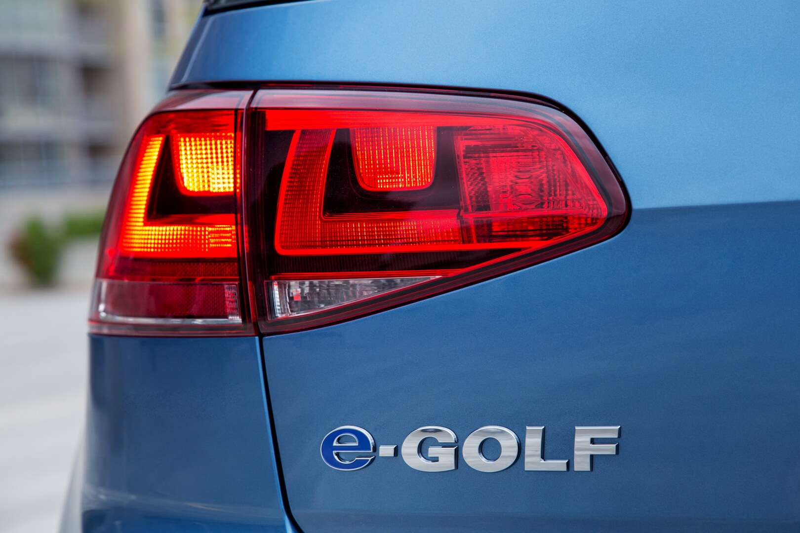 Фотография экоавто Volkswagen e-Golf 2015 - фото 14
