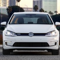 Фотография экоавто Volkswagen e-Golf 2017
