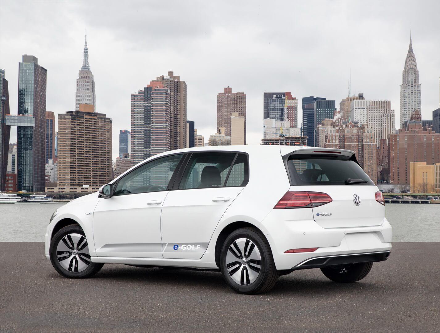 Фотография экоавто Volkswagen e-Golf 2017 - фото 3