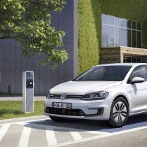 Фотография экоавто Volkswagen e-Golf 2017 - фото 10