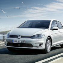 Фотография экоавто Volkswagen e-Golf 2017 - фото 14