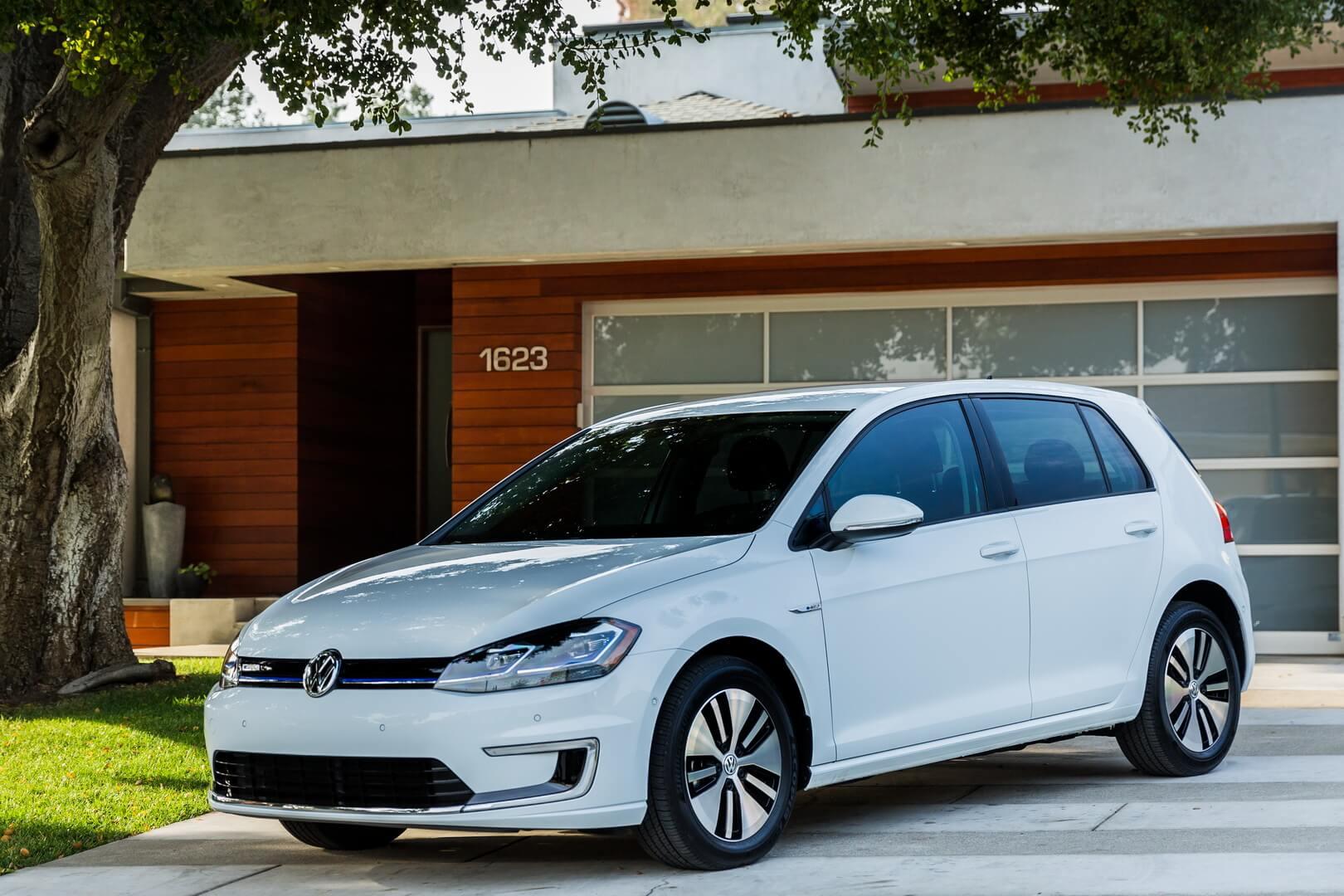 Фотография экоавто Volkswagen e-Golf 2017 - фото 16