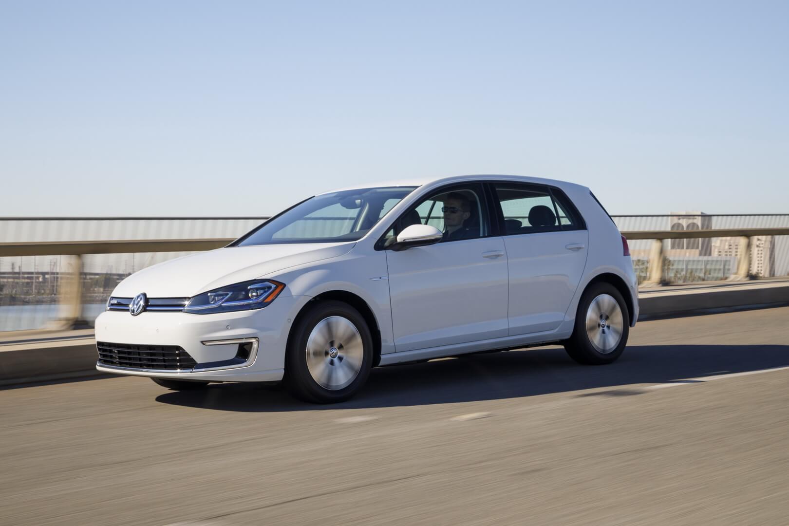 Продажи электромобиля Volkswagen e-Golf увеличились на45% в 2018 году