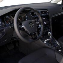 Фотография экоавто Volkswagen e-Golf 2017 - фото 27