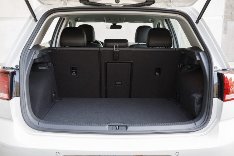 Багажник Volkswagen e-Golf 2017