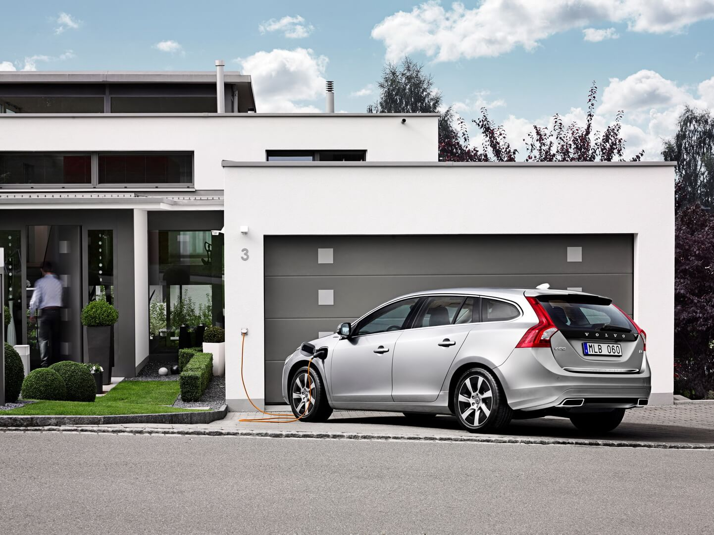 Фотография экоавто Volvo V60 PHEV - фото 3