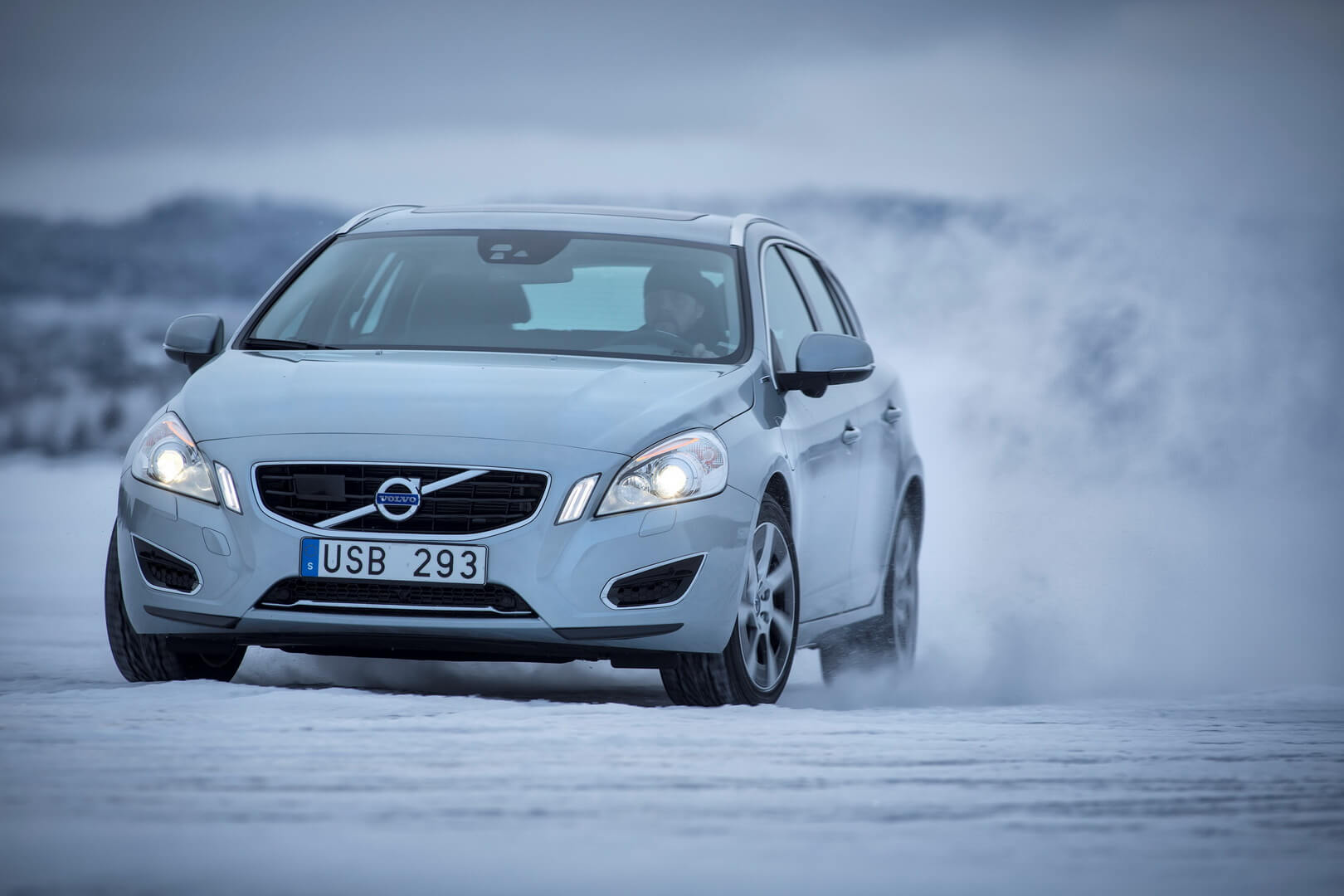 Фотография экоавто Volvo V60 PHEV - фото 21