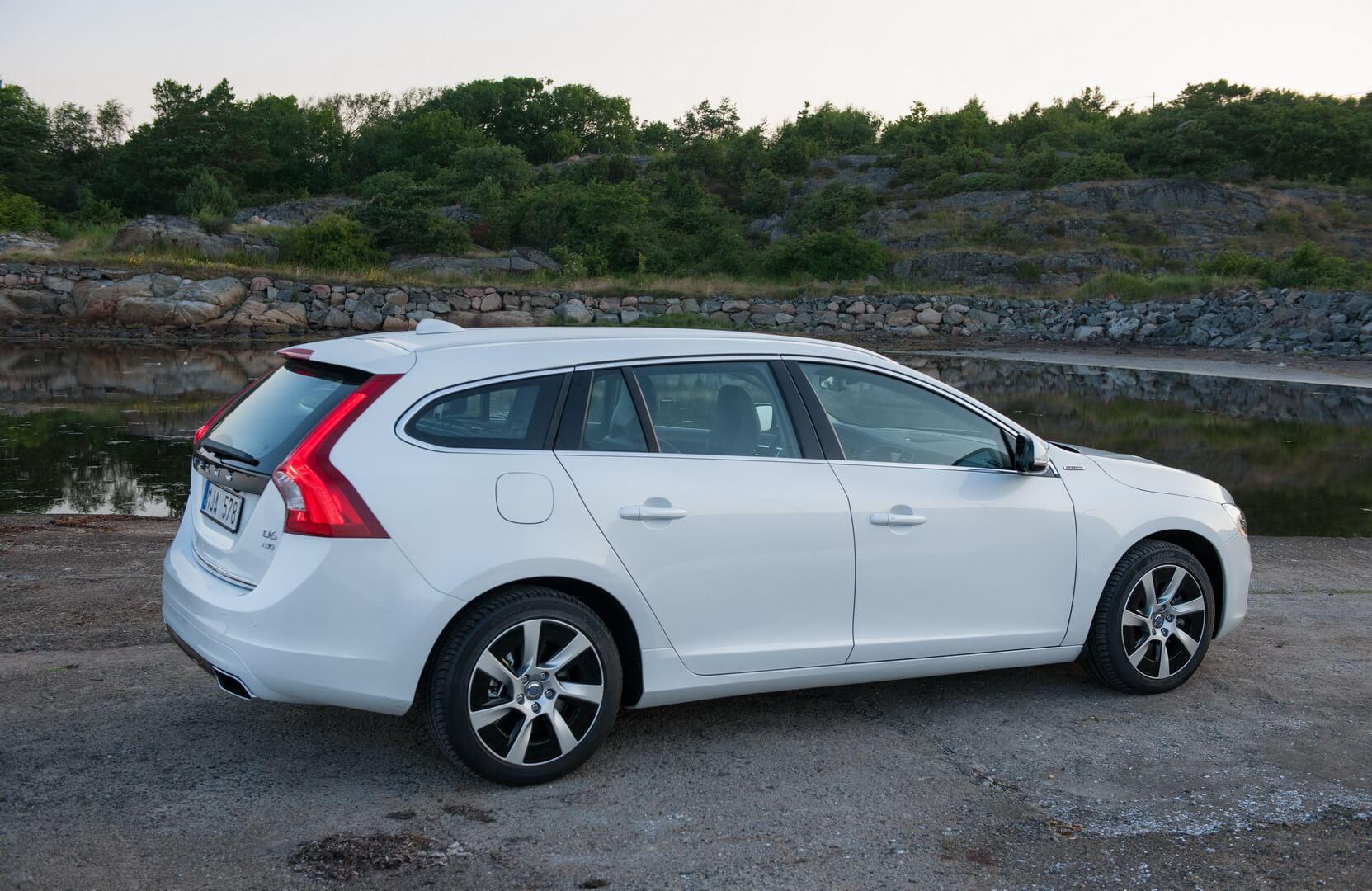 Фотография экоавто Volvo V60 PHEV - фото 39