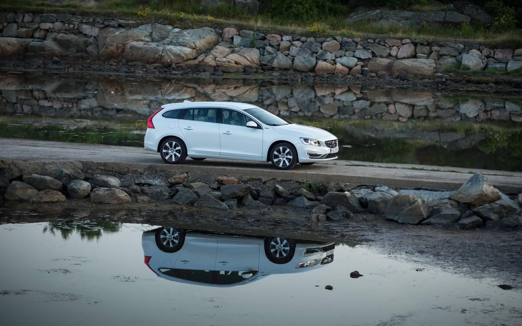 Фотография экоавто Volvo V60 PHEV - фото 43
