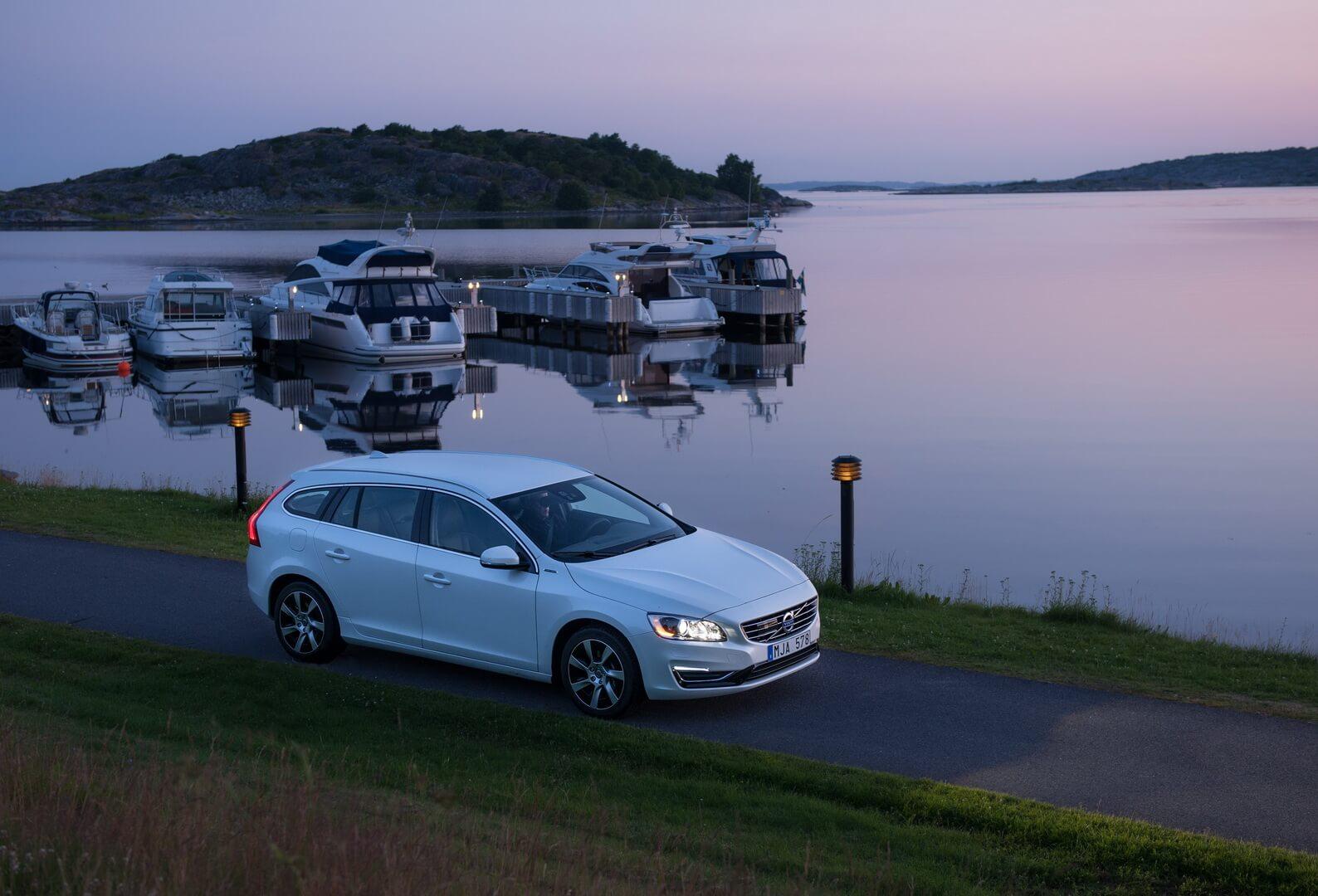 Фотография экоавто Volvo V60 PHEV - фото 44