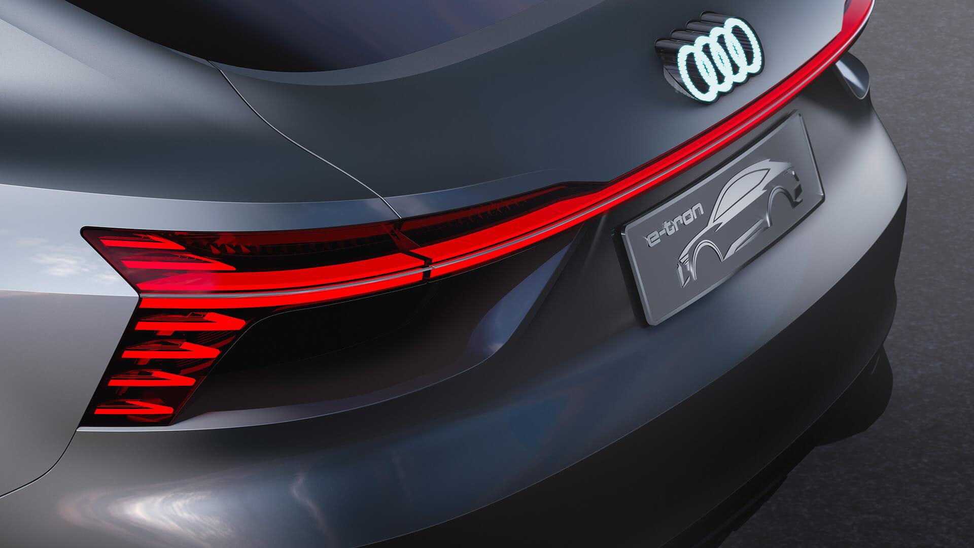 Задняя оптика Audi e-tron Sportback