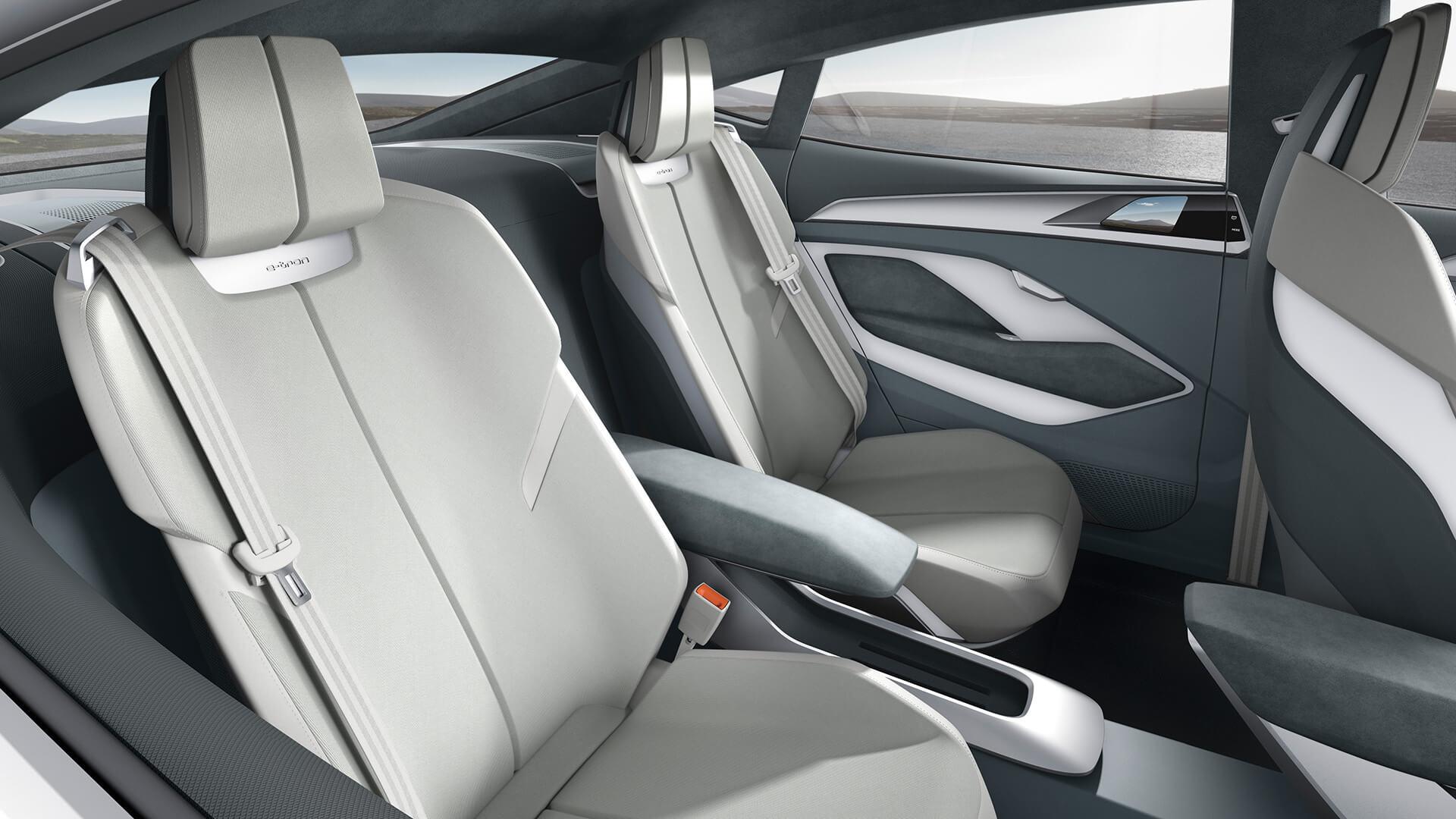 Задние места в Audi e-tron Sportback