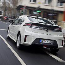 Фотография экоавто Opel Ampera Range Extender - фото 11