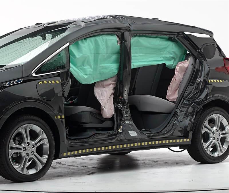 Боковые подушки безопасности и повреждение отсека для пассажиров