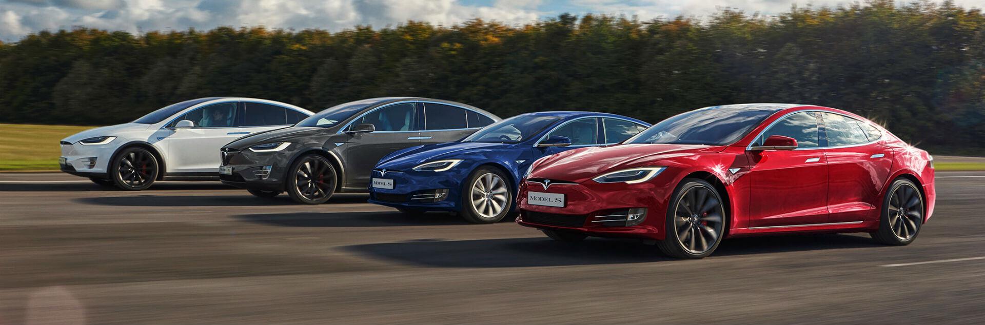Электромобили Tesla Model X и Model S