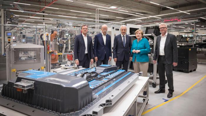Посещение Ангелой Меркель завода компании Daimler Accumotive в Каменце (Kamenz) по производству аккумуляторов