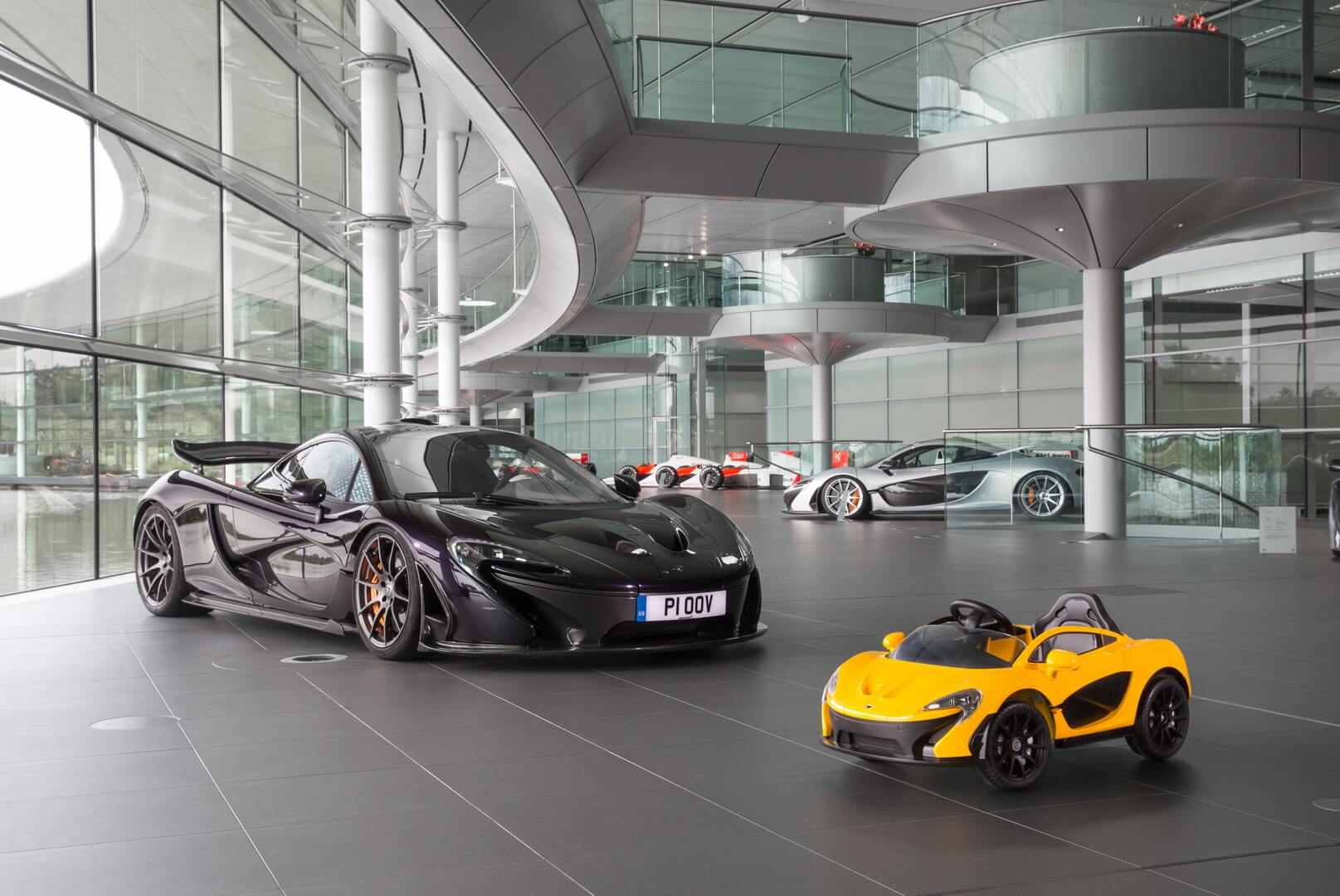 McLAREN P1™ is pure electric