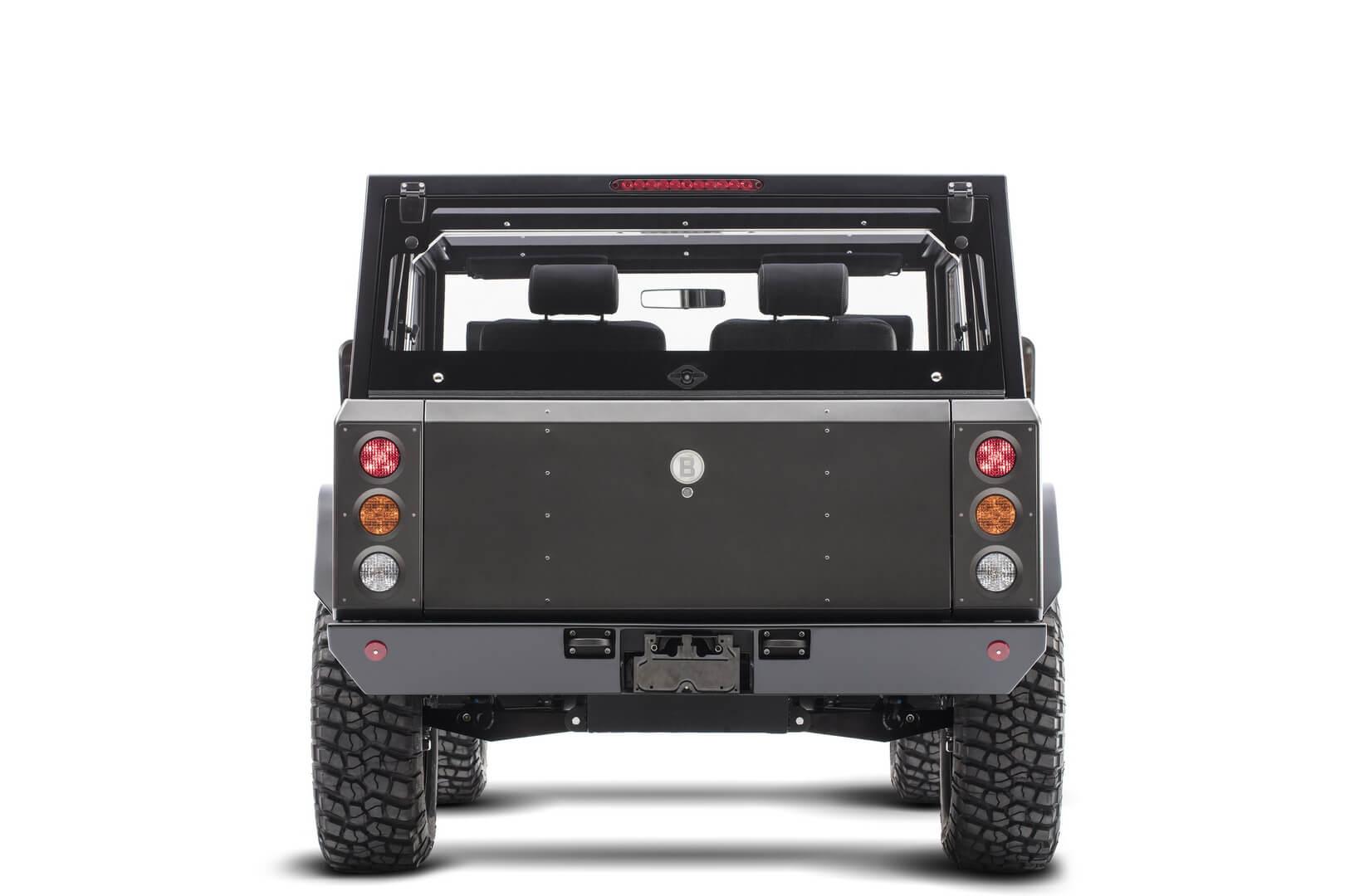 Электрический полноприводный грузовик Bollinger B1 — вид сзади
