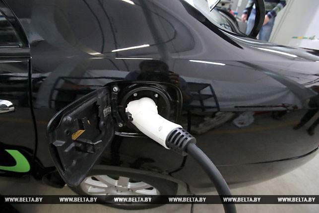 Зарядка электромобиля Geely SC7 белорусской сборки