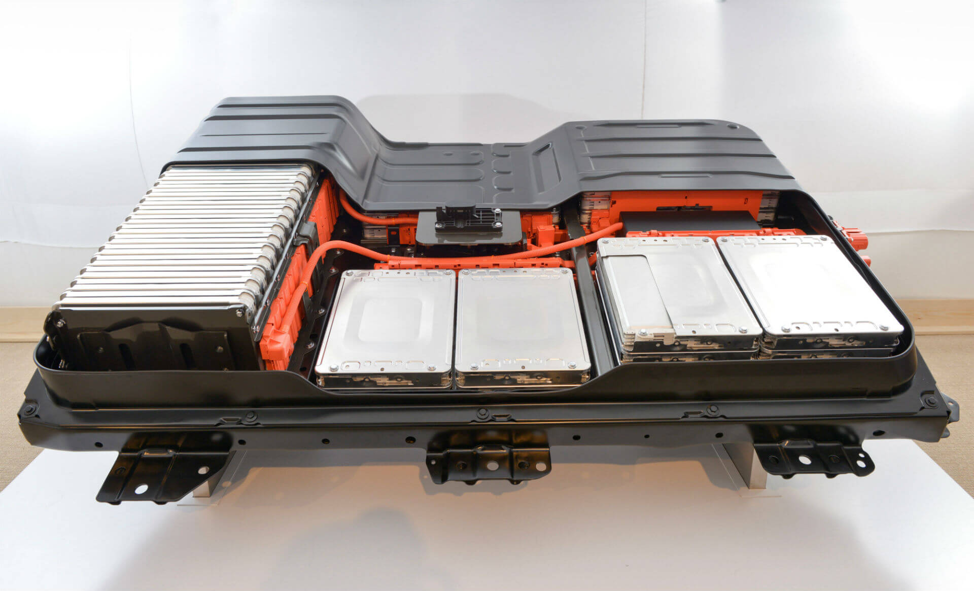 Аккумуляторная батарея самого популярного электромобиля в Украине Nissan Leaf
