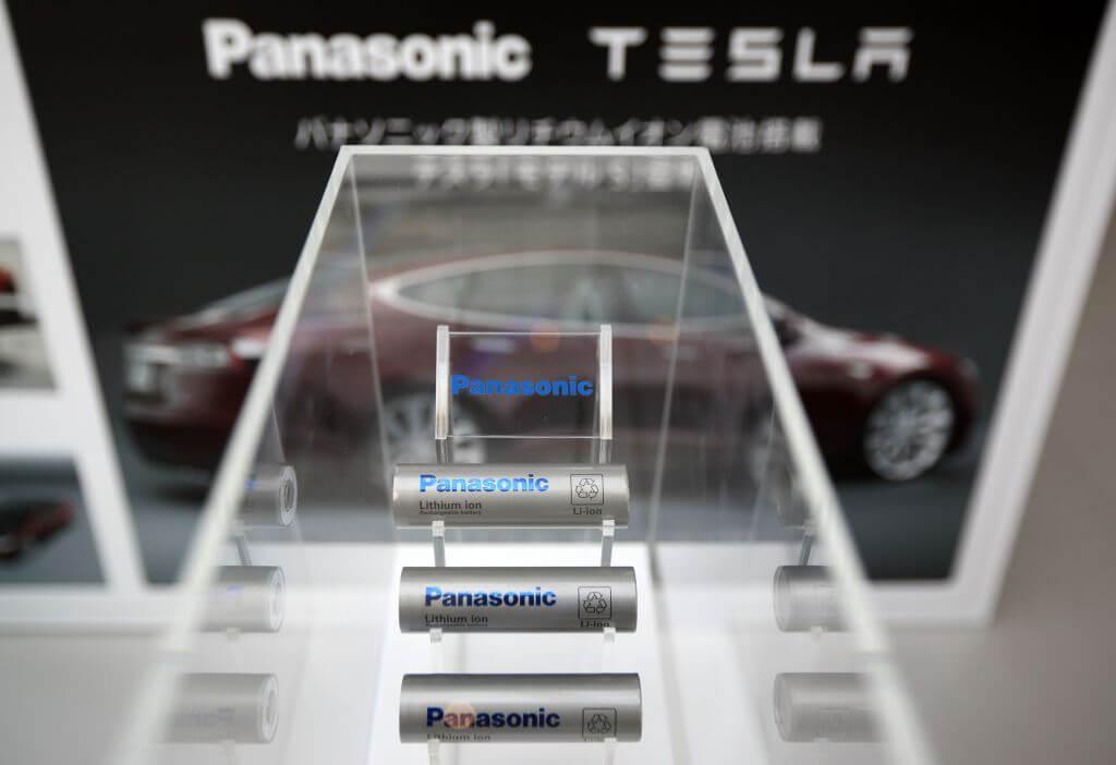 Аккумуляторы Panasonic для электрокаров Tesla