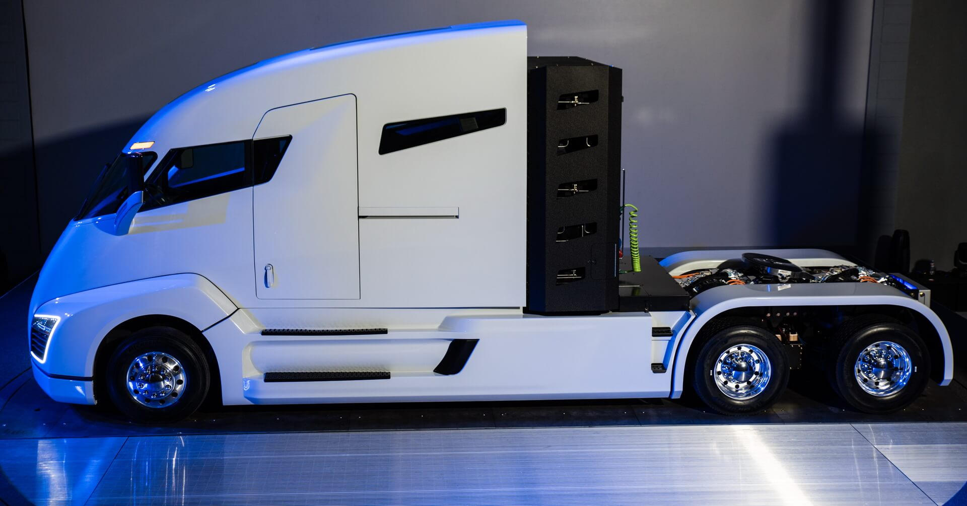 Электрический грузовик Nikola One