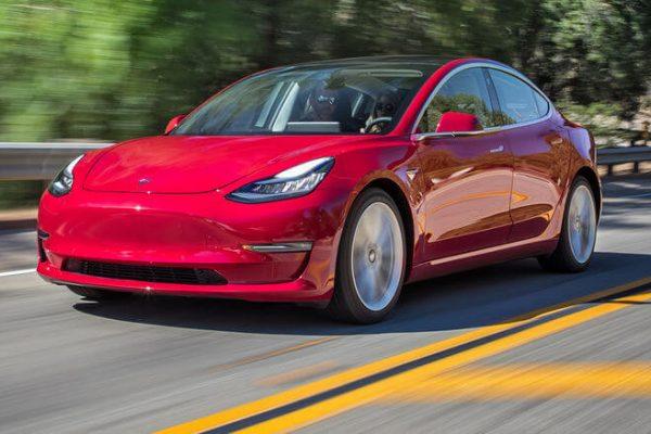 Экстерьер Tesla Model 3