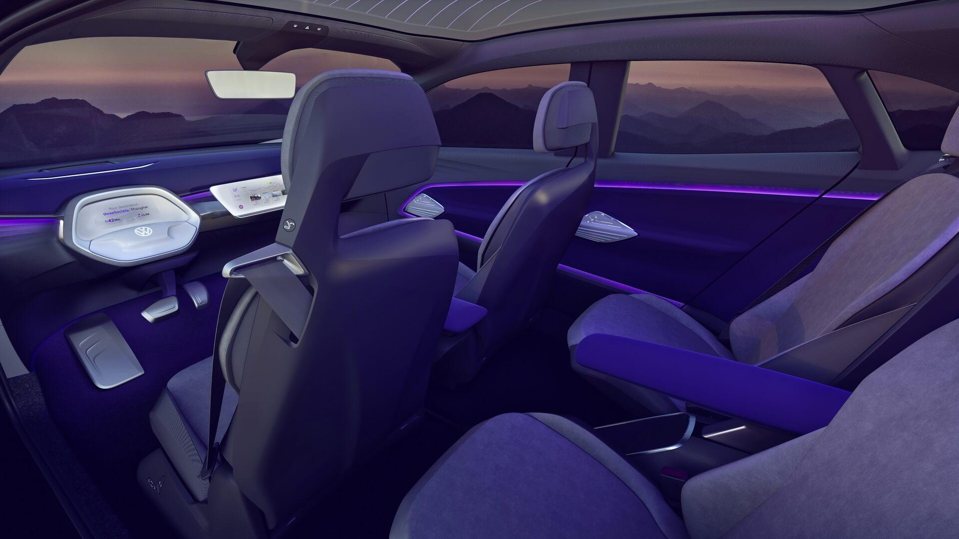 Цветовая индикация работы автопилота Volkswagen I.D. CROZZ