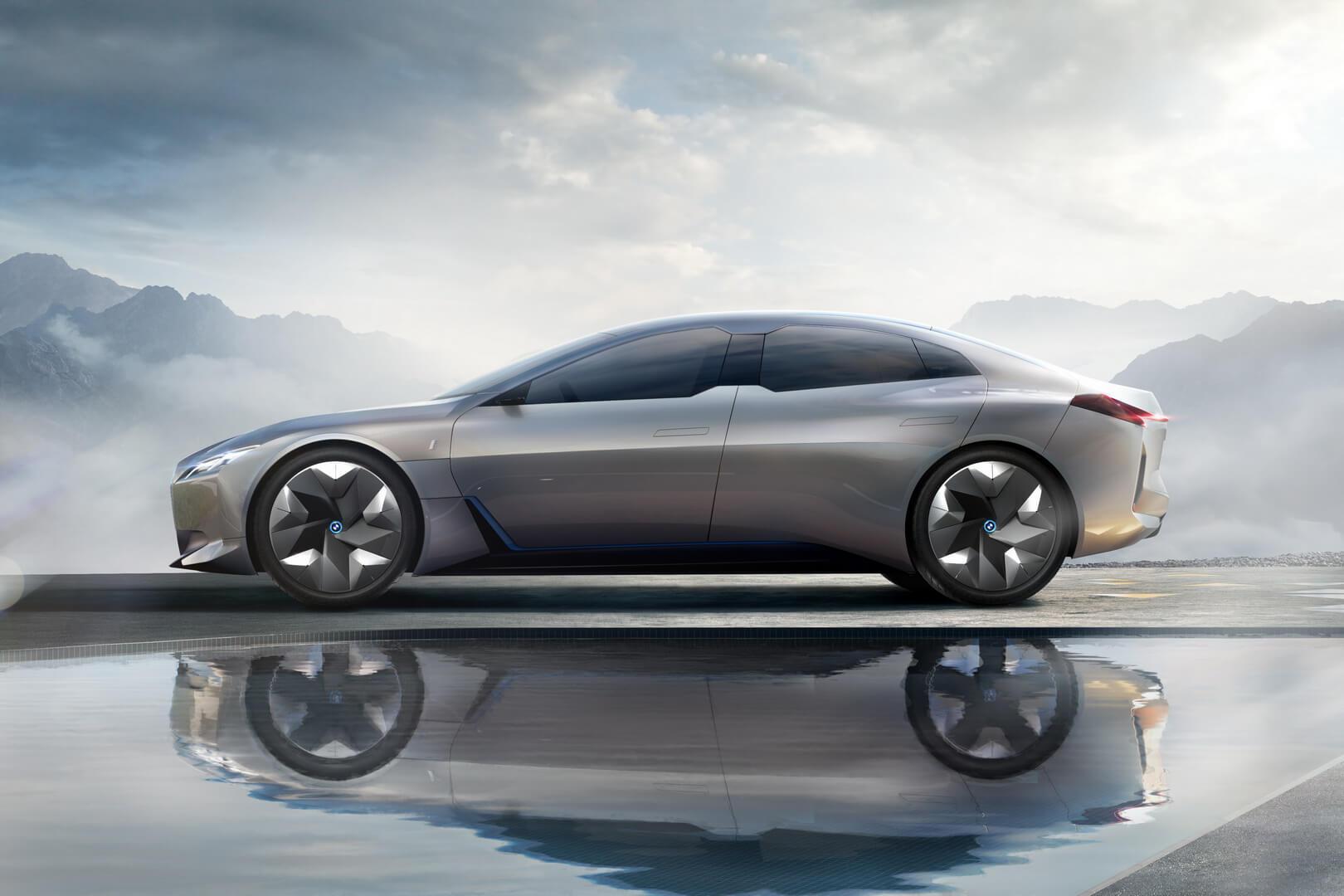 Прототип BMW i4 на основе концепта BMW iVision Dynamics