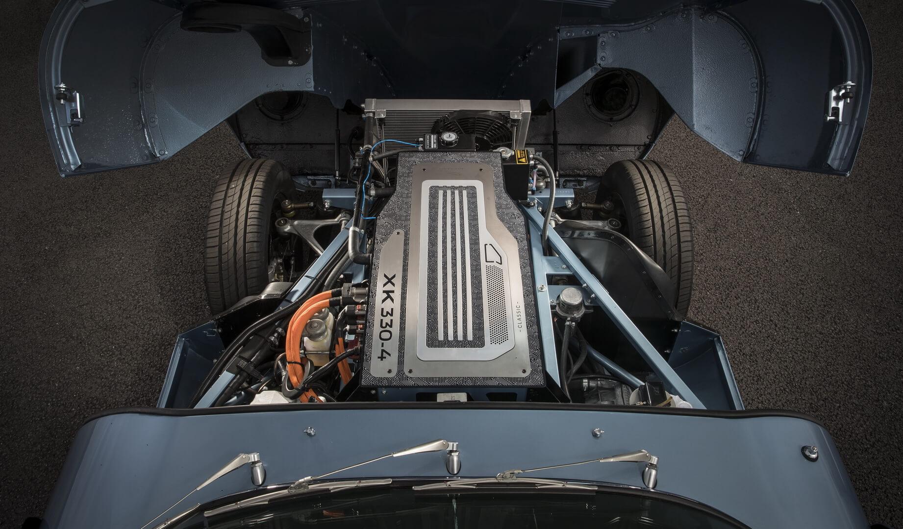 Компоновка двигателя Jaguar E-type Zero