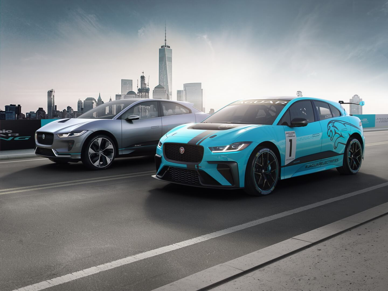 Гоночный Jaguar I-PACE и Jaguar I-PACE