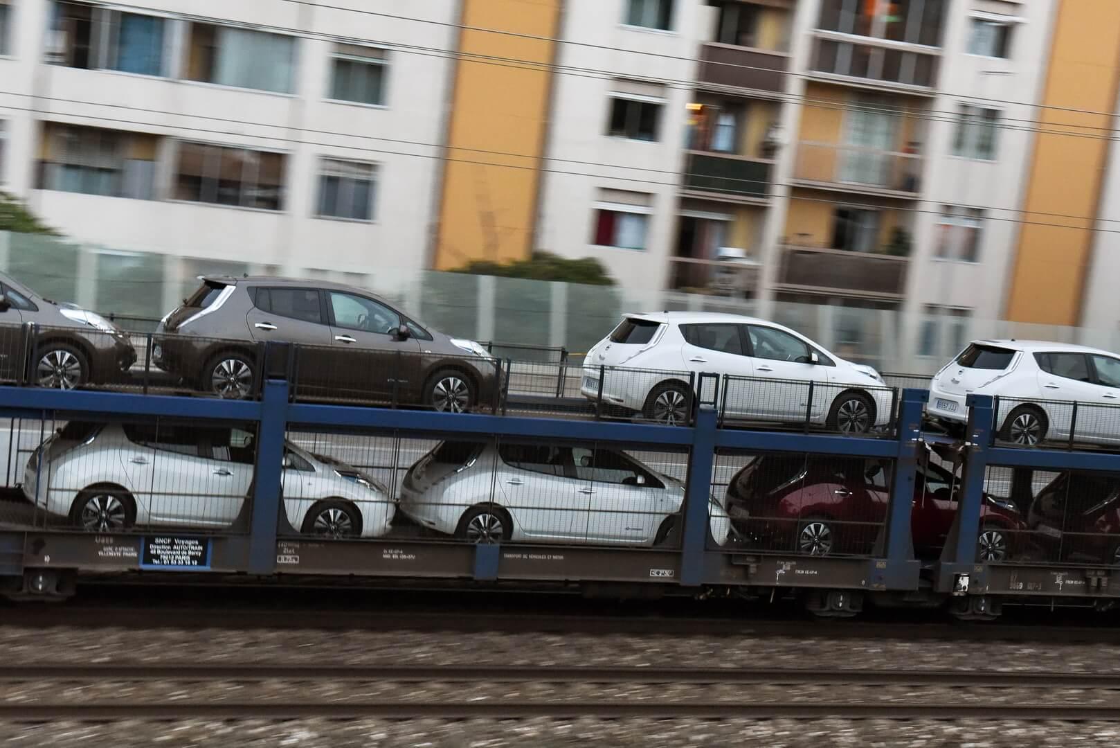 Транспортировка Nissan Leaf
