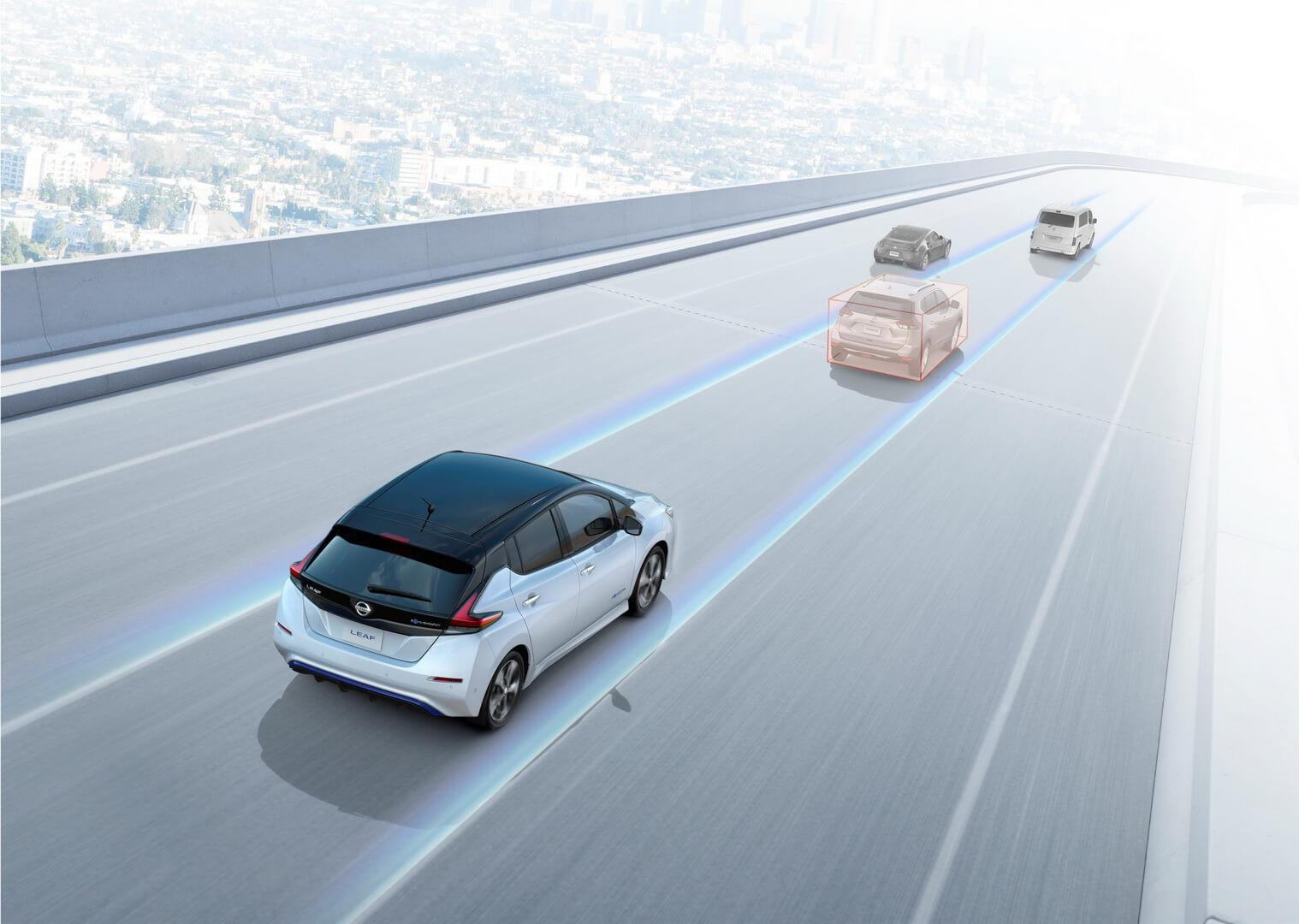 Функция автономного управления электромобилем ProPILOT