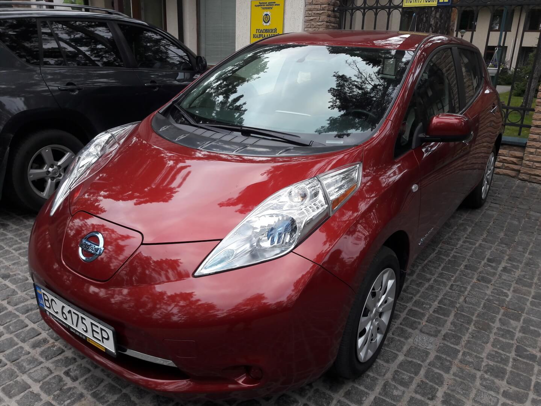 Nissan Leaf 2014 года в комплектации S