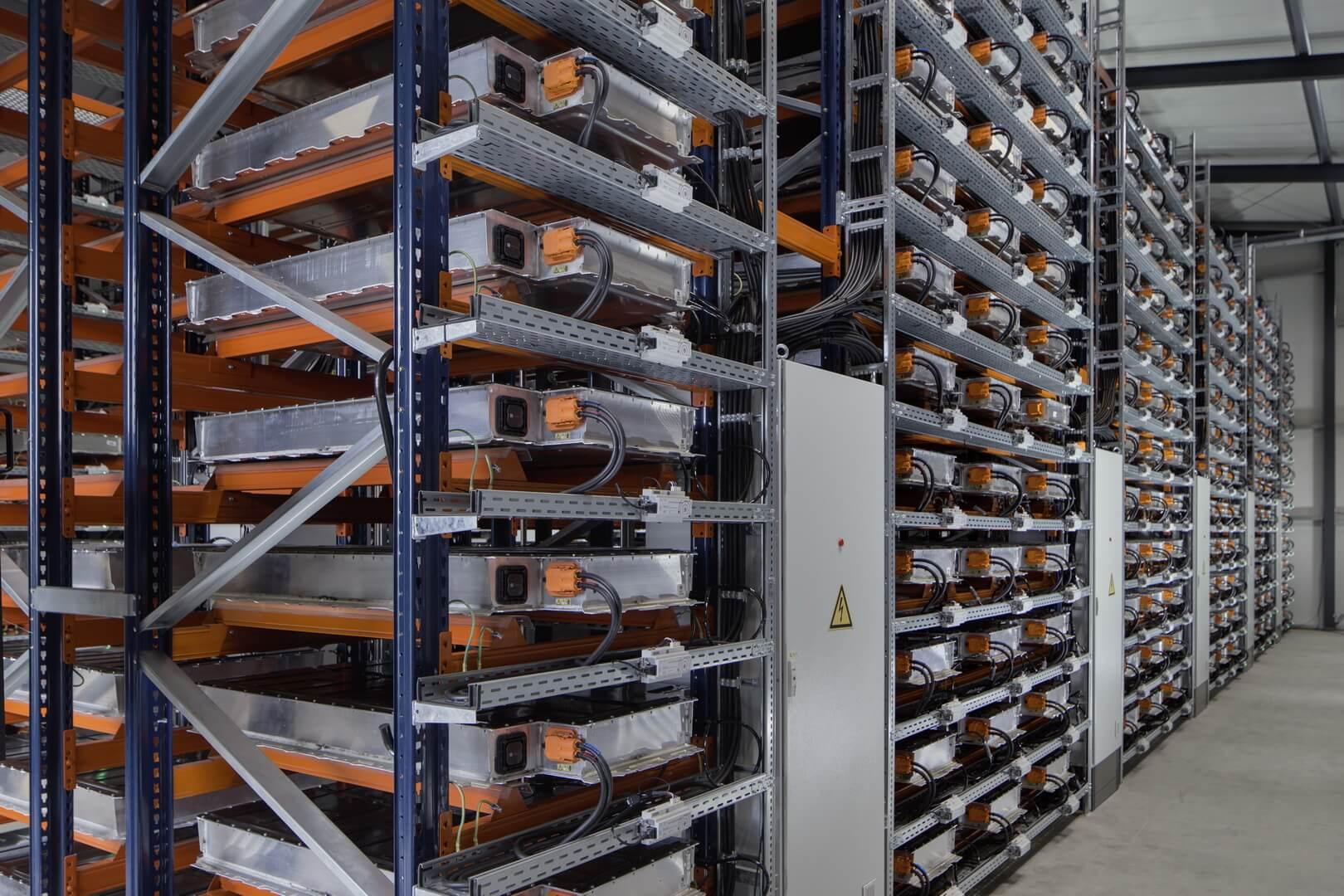 Хранение бывших в употреблении аккумуляторов BMW i3