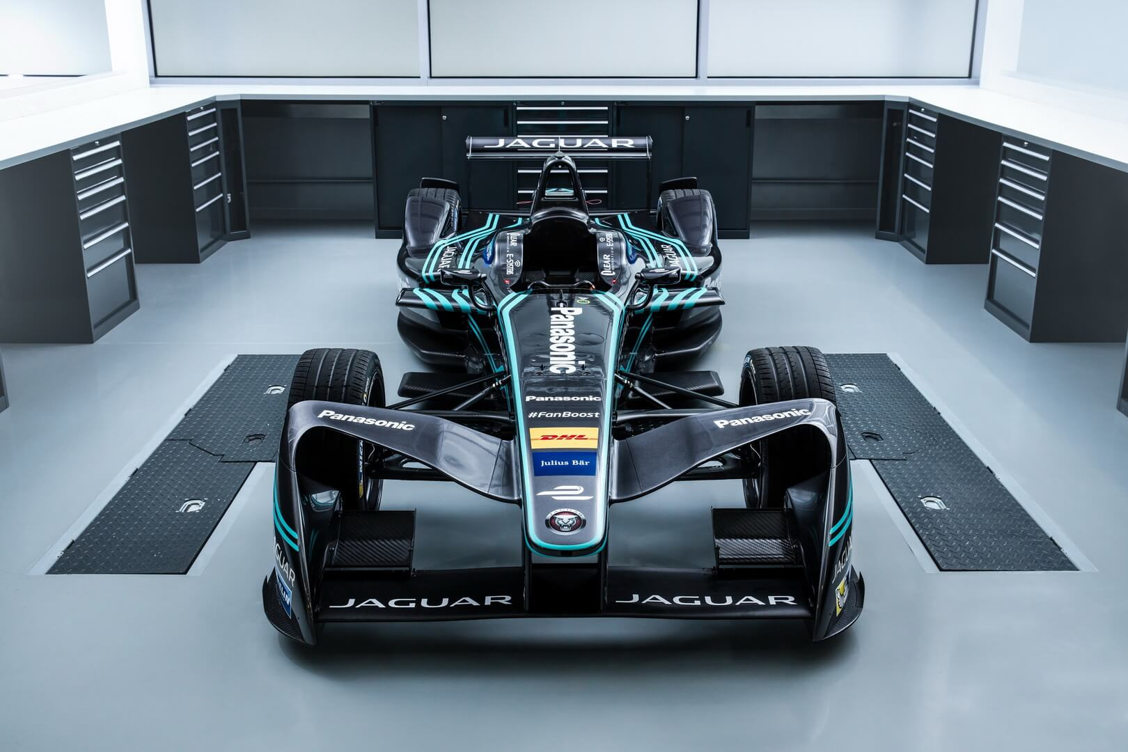 Спорткар Jaguar I-TYPE 2