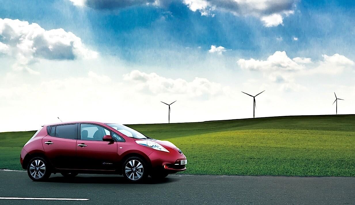 Электрический «зеленый» автомобиль Nissan Leaf