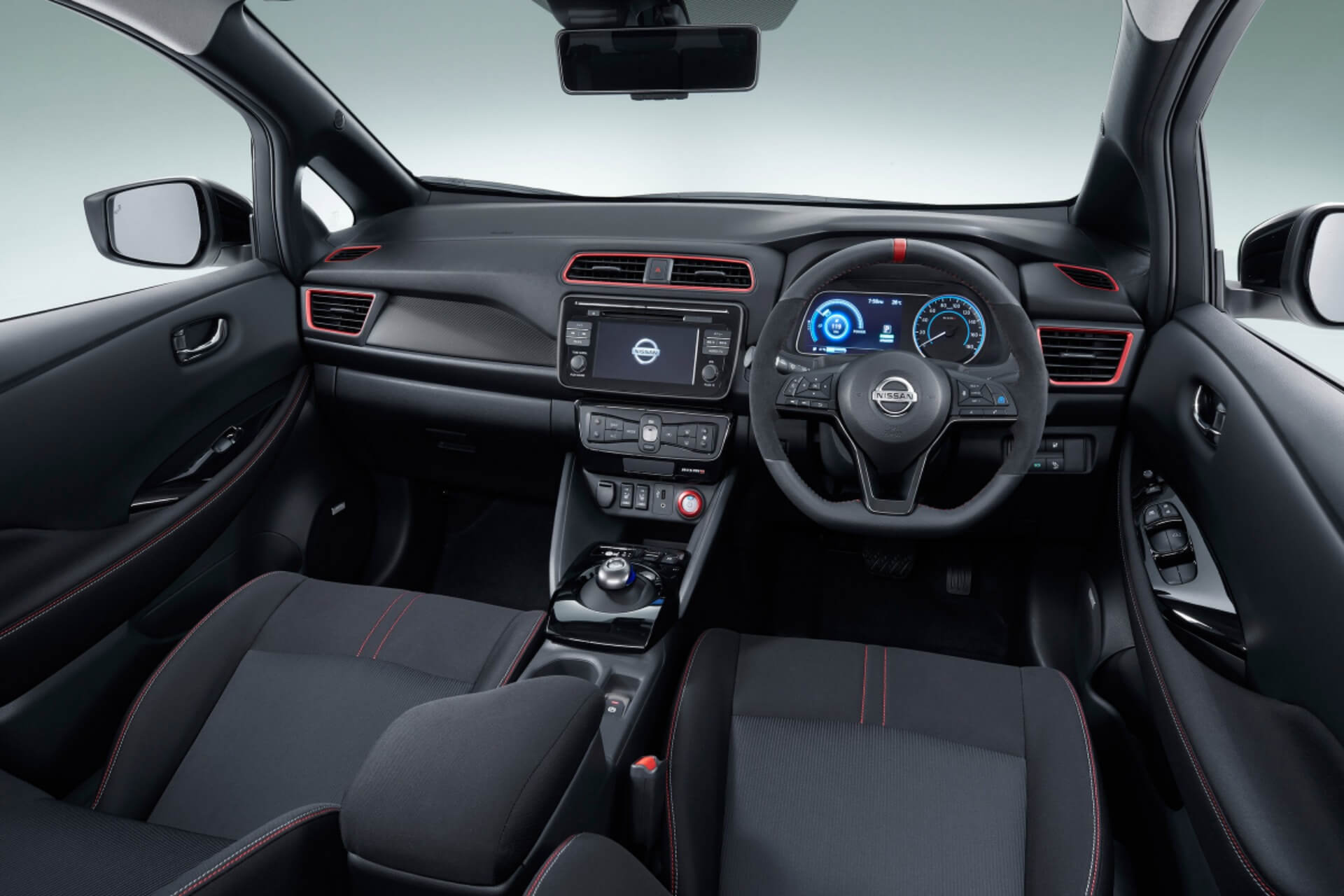 Салон Nissan Leaf Nismo Concept