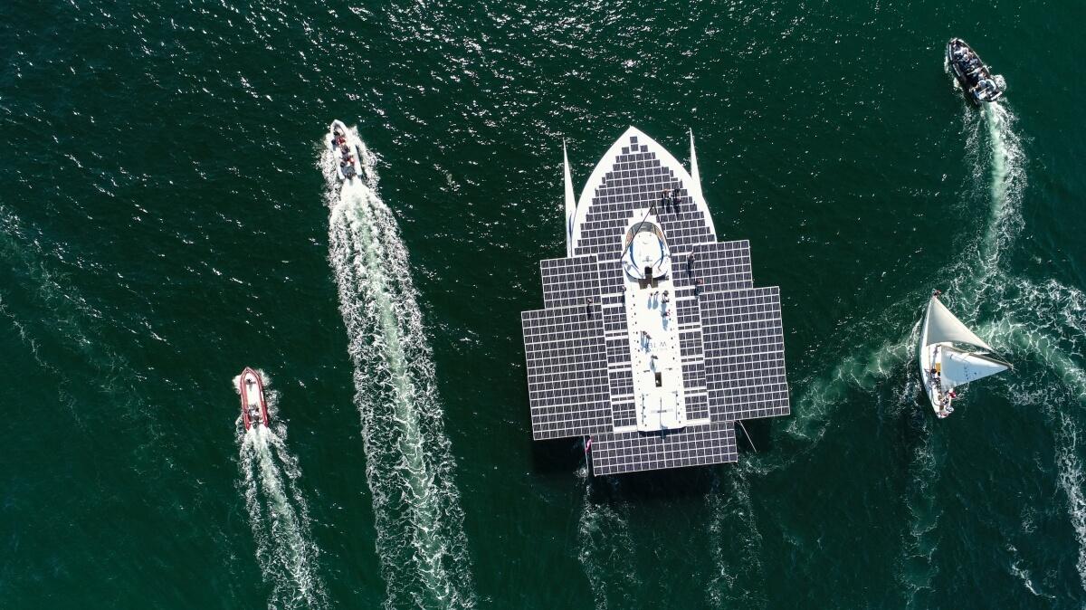 Race for Water— самый большой корабль насолнечных батареях