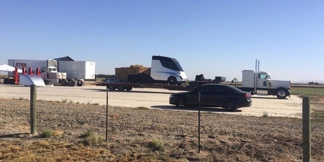 Шпионский снимок Tesla Semi наиспытательном полигоне Tesla