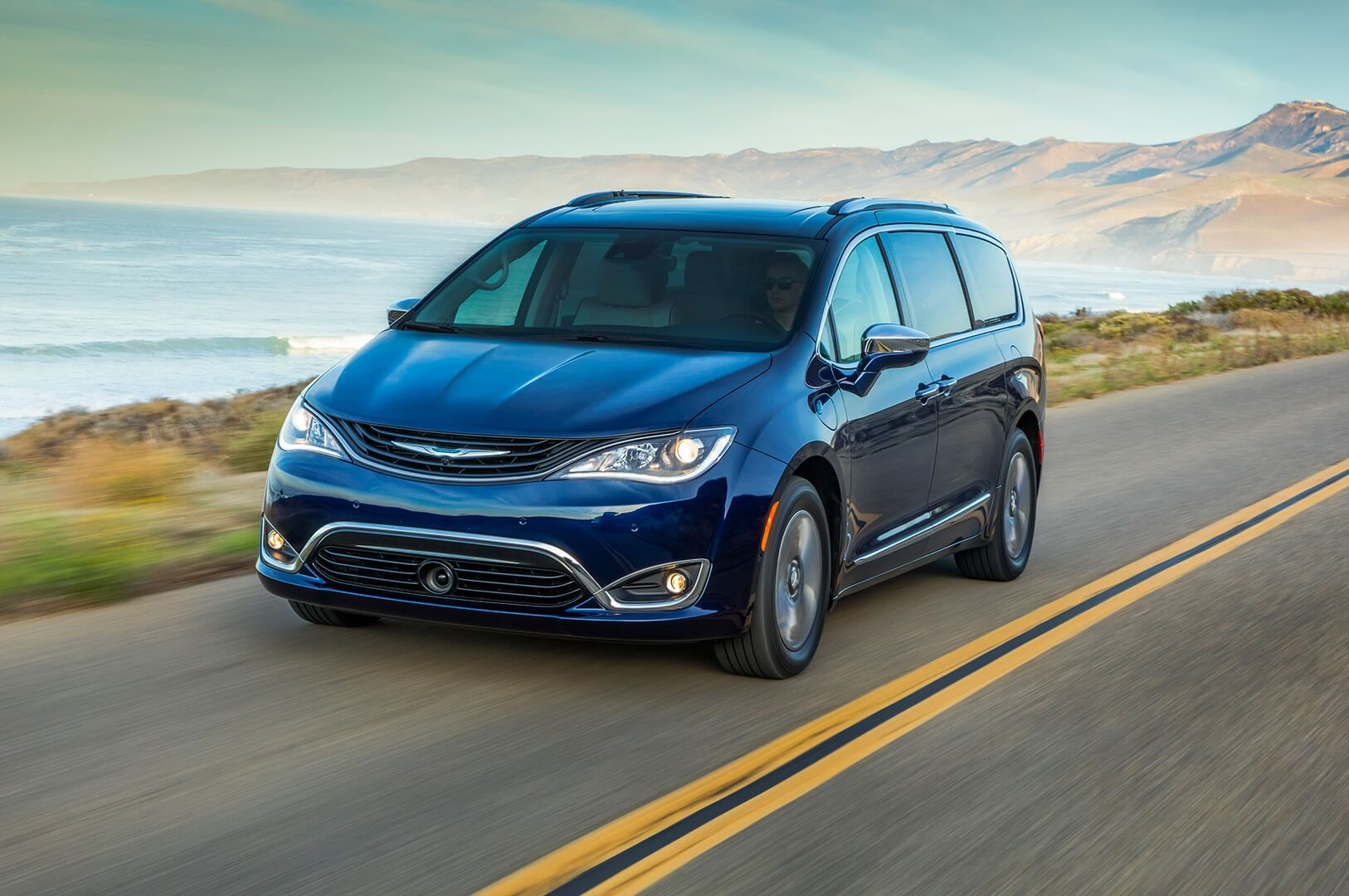 Плагин-гибрид Chrysler Pacifica
