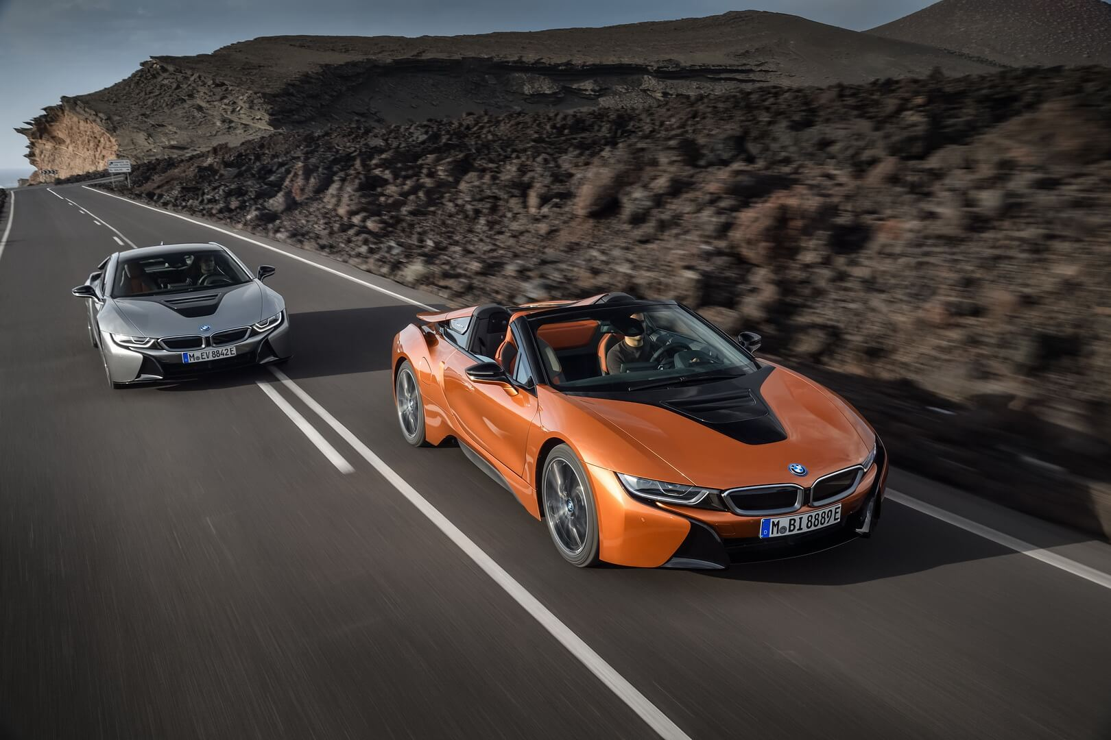 BMW i8 Coupe & BMW i8 Roadster